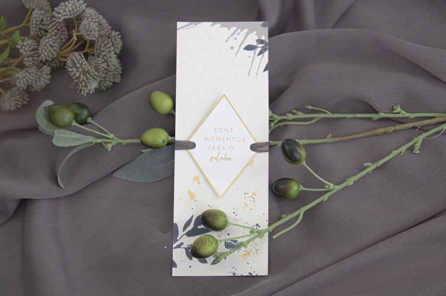 Menu de Casamento, idealizado e produzido pela Ideia Genial, especialista em convites de casamento personalizados e datas especiais.