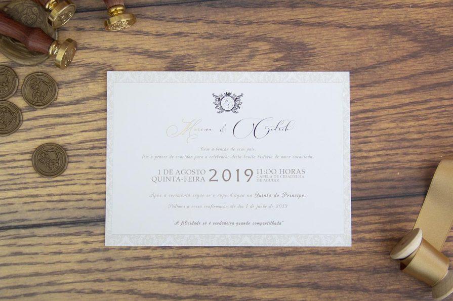Imagem com o cartão do convite de casamento